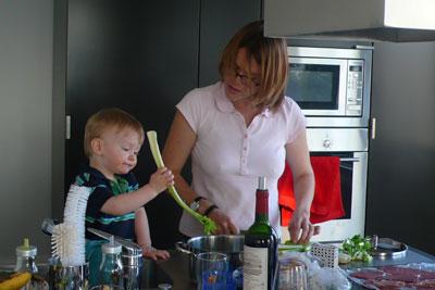 mattia und gaby am kochen